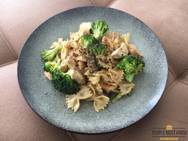 Creamy Mushroom & Chicken Pasta with Brocolli